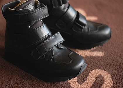 麻痺や内反足による歩行時の不安 〜 靴の選び方 〜
